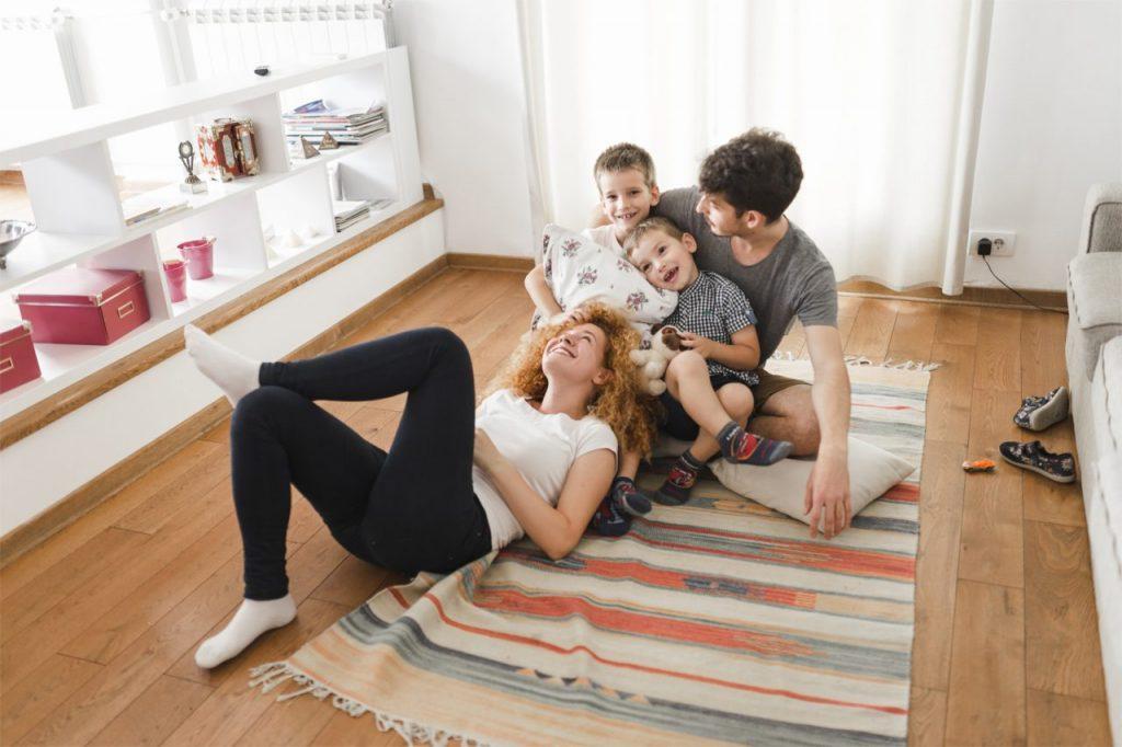Escolher uma boa casa de temporada - viajar com crianças - ©Freepik