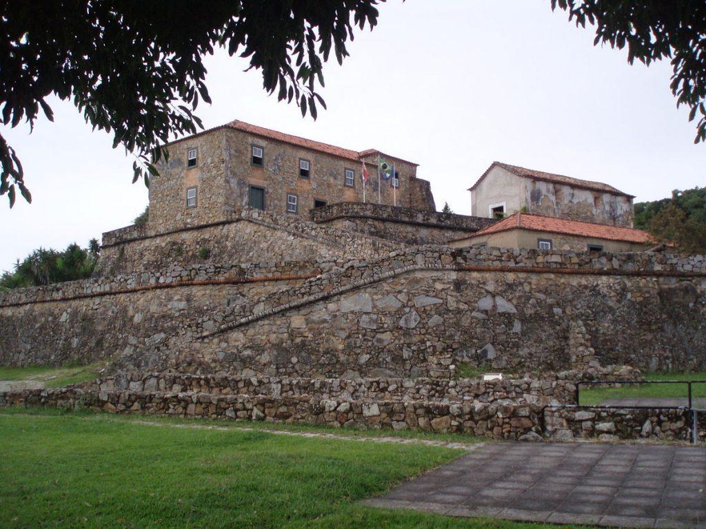Locais históricos de Florianópolis - Fortaleza de São José da Ponta Grossa - ©Wikipedia