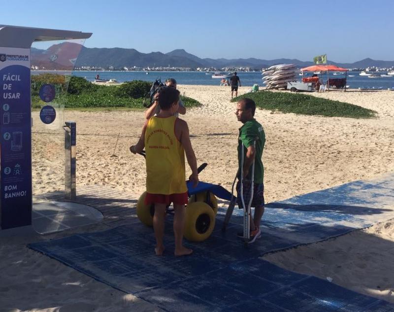 Praias de Florianópolis com acessibilidade - Esteiras de acesso - ©NSCTotal