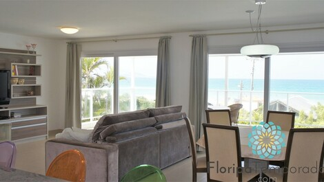 Apscale oceanfront! exclusive exit to the beach