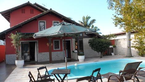 Casa para alquilar en florianopolis para vacaciones for Casa con piscina para alquilar por dia