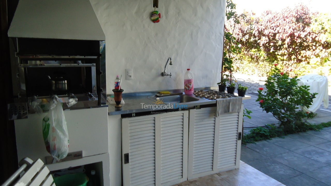 House for vacation rental in Florianopolis (Canasvieiras)