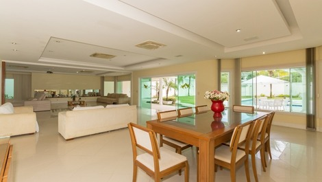 MANUAL MODERNCINCO SUITES IN MANSIONS