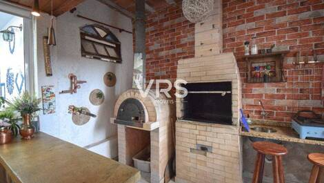 Churrasqueira e forno de pizza