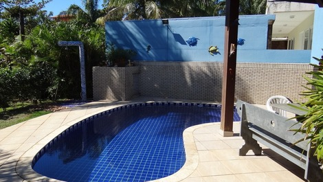 Comfortable single storey house, air conditioning, 50 meters from the beach -
