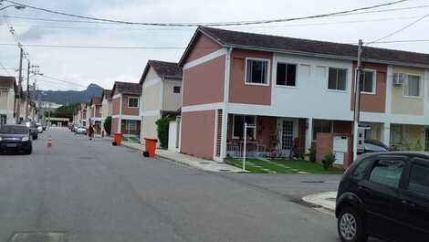 Condominium House- 8 min from Pontal Beach-RJ and 20 min from waterfalls.